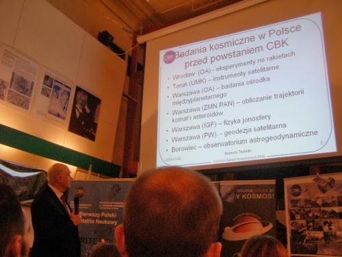 Prof. Marek Banaszkiewicz z prezentacją na temat badań kosmicznych w Polsce (Credits: Damian Mayer)